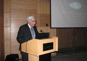 Dr. Noshir Shroff addressing a CME